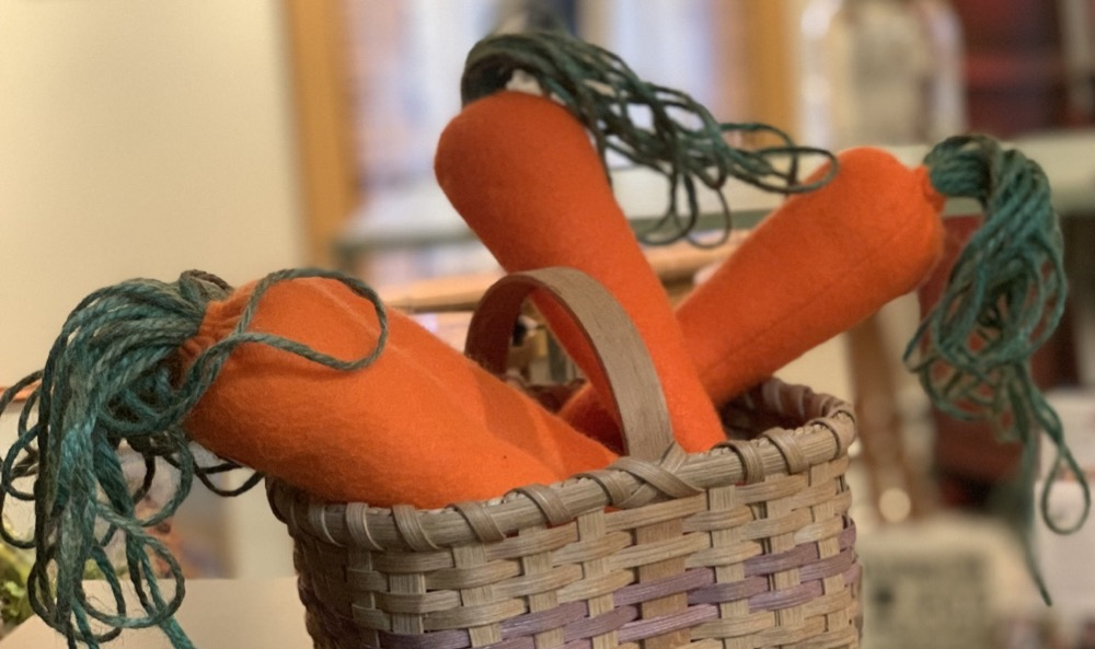 easter decorations felt carrots
