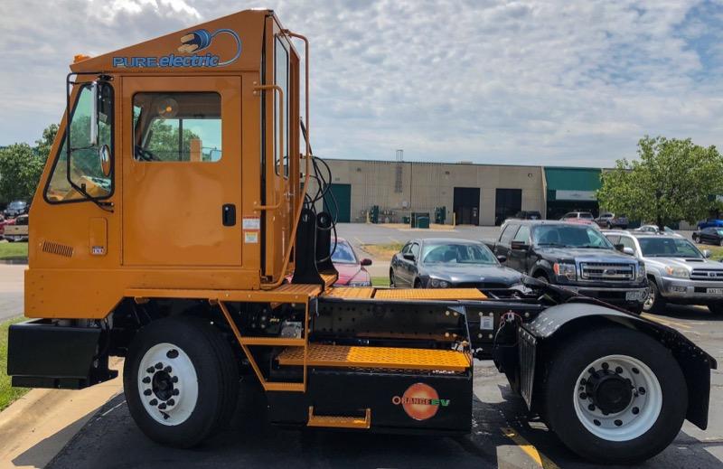 Orange EV Pure Electric Terminal Truck 2c