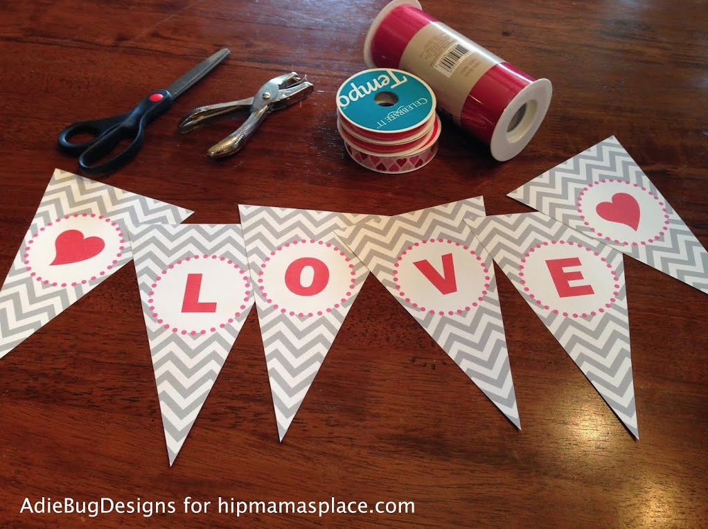 Make your own easy DIY Valentine's Love banner. Go get your FREE printable at www.hipmamasplace.com!