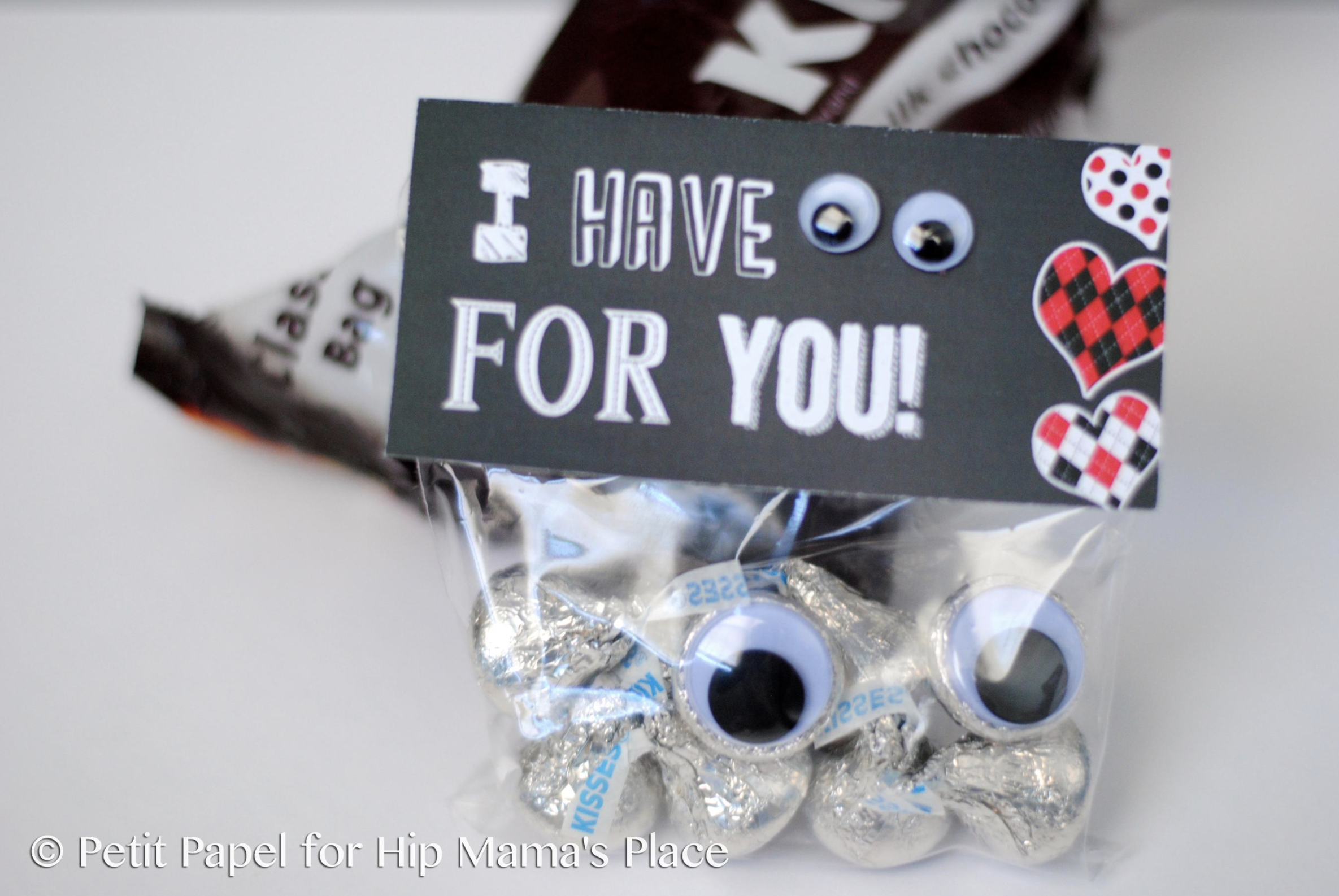 "Looking for a cute DIY Valentine goody bag toppers? It's your lucky day! Here's a FREE printable ""I Have Eyes For You"" Valentine bag toppers!"