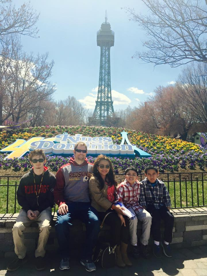 kings-dominion-family