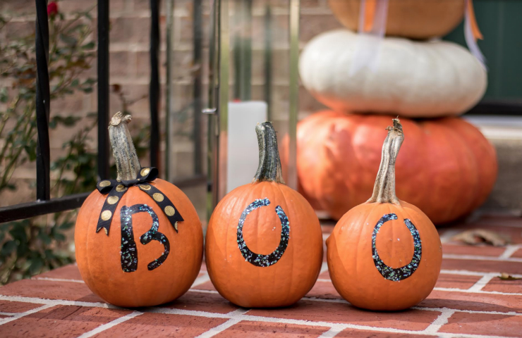 "Easy Fall or Halloween Craft: ""No Carve"" Boo Pumpkins"