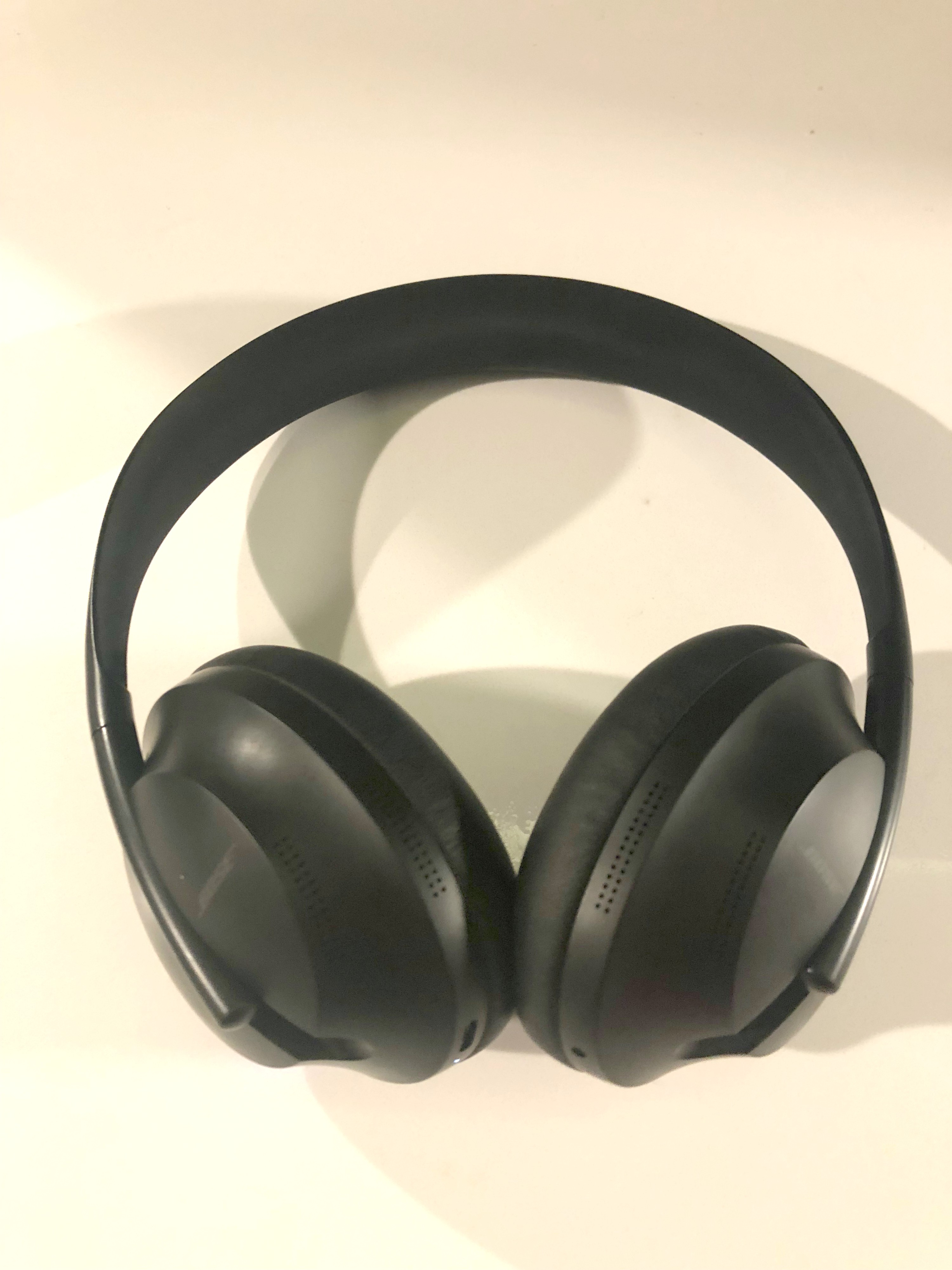 Love a Great Wireless Music Experience? Look into Bose Noise Cancelling Headphones 700