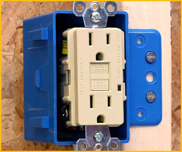 Wire Wiz Electrician Services | Outlet Repair