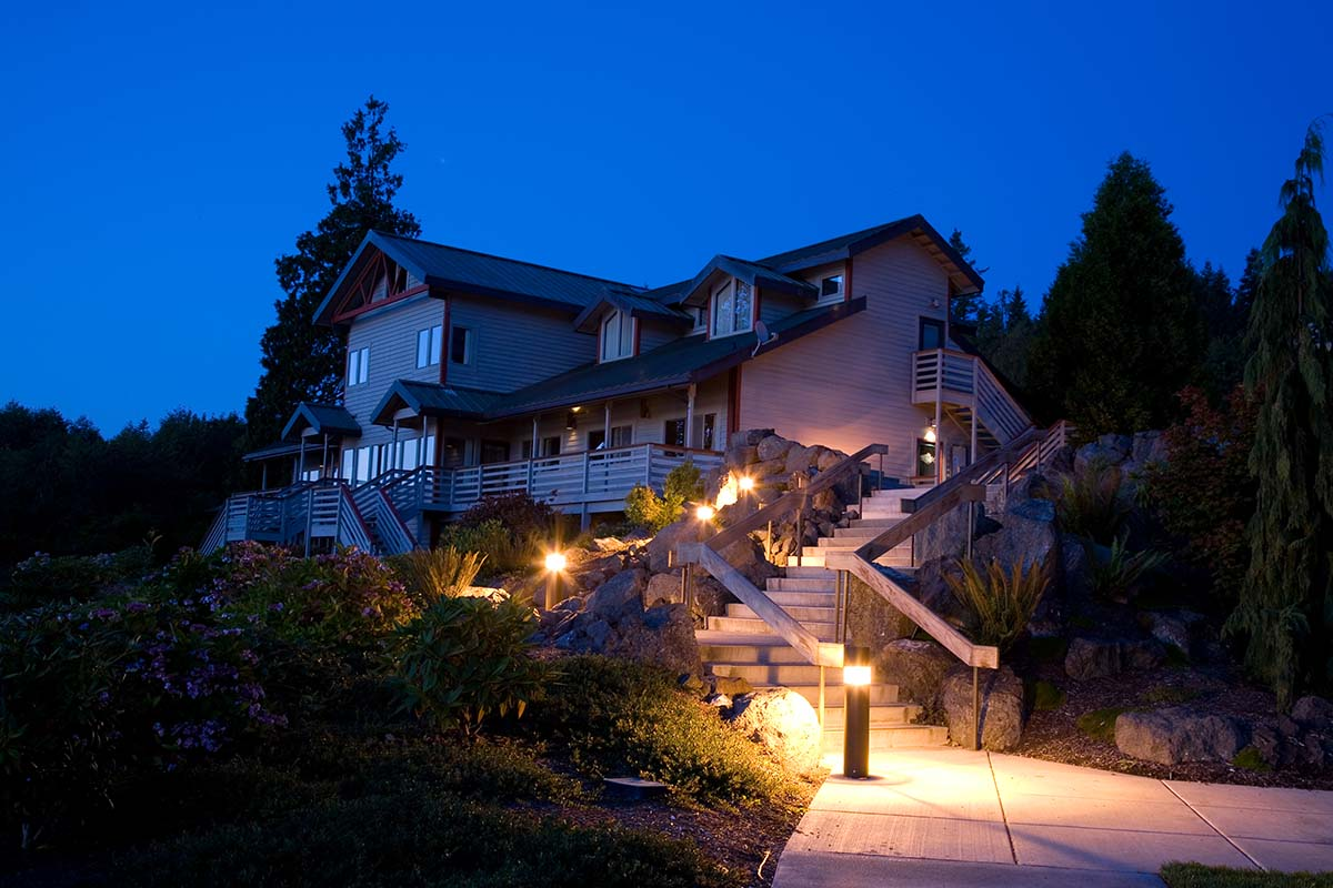 Outdoor Lighting Benefits Featured | Wire Wiz Electrician Services
