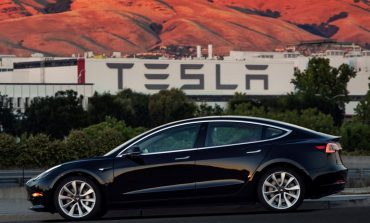 Tesla To Raise $1.5 Bn Junk Bond To Fund Model 3 Production