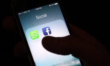 Facebook Tests Its Features To Monetise WhatsApp