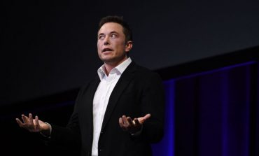 This Little Mistake May Force Elon Musk To Change His Phone Number