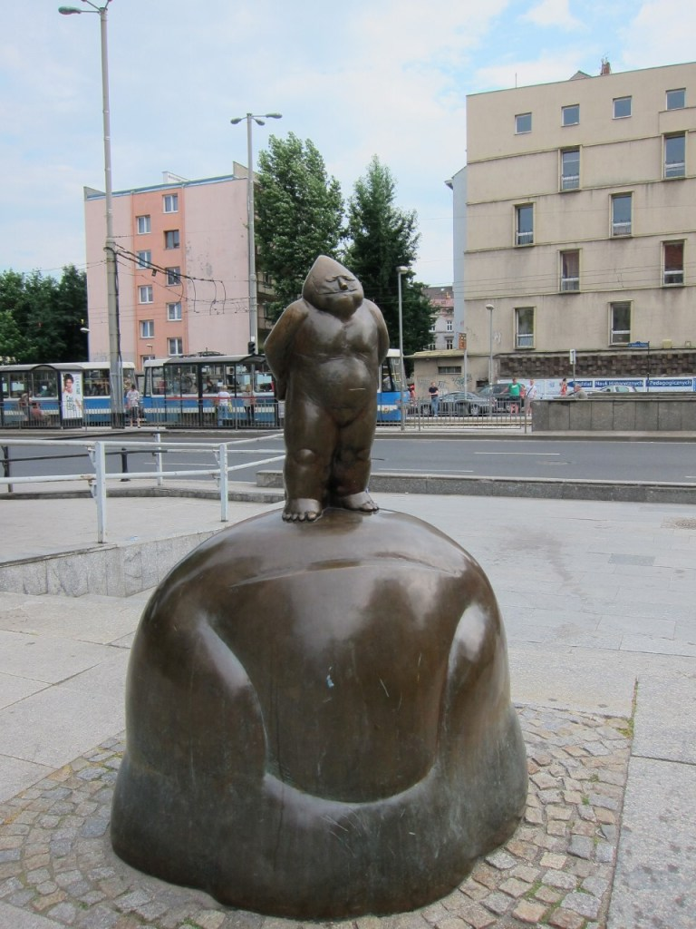 The first gnome sculpture in Wroclaw, where ul. Świdnicka and Kazimierza Wielkiego meet. The Orange Alternative often held events on this square.