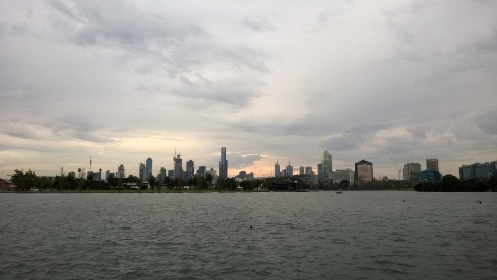Melbourne skyline from Albert Park