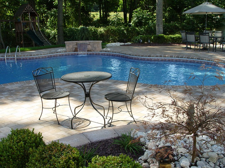 Pool Deck with Bullnose Paving