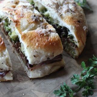 Steak Sandwiches with Creamy Avocado Chimichurri