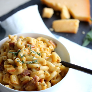 Low Fat Apple Bacon Gouda Macaroni and Cheese