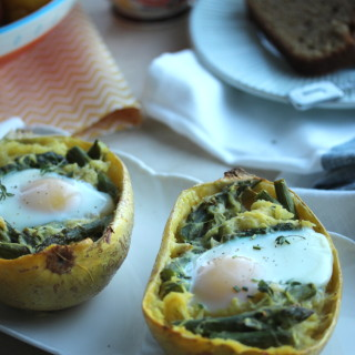 Cheesy Breakfast Squash Boats with Asparagus