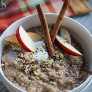Slow Cooker Apple Chai Spice Steel Cut Oats