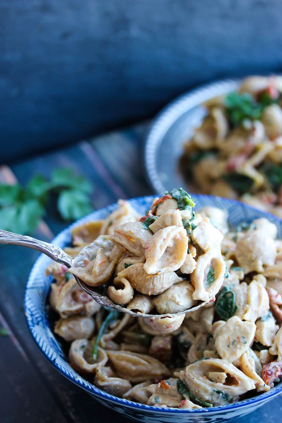 30 Minute Low Fat Chicken Florentine | dishingouthealth.com