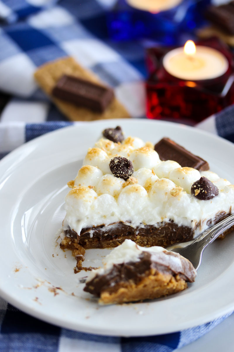 No-Bake Healthier S'mores Pie | dishingouthealth.com