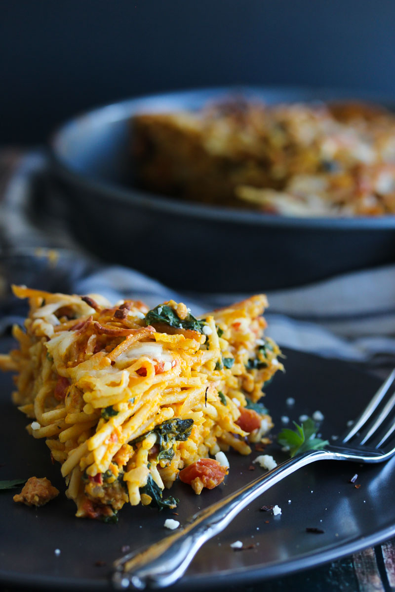 Pumpkin Kale Turkey Sausage Spaghetti Pie | dishingouthealth.com
