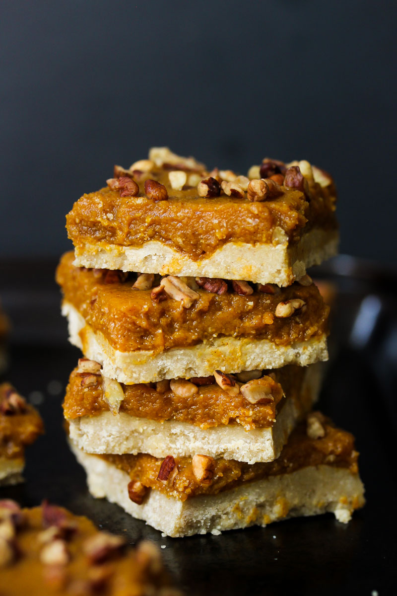 Raw Pumpkin Pie Bars (gluten free, vegan-friendly) | dishingouthealth.com