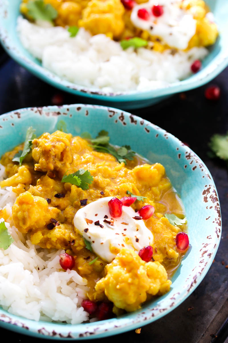 Slow Cooker Cauliflower Lentil Curry | dishingouthealth.com
