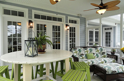 Beautiful Porch with Fans