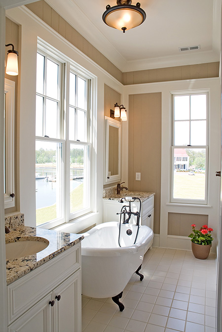 Traditional Clawfoot Tub in Riverdunes Home