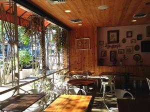 Outdoor Dining at Abricott in Pasadena