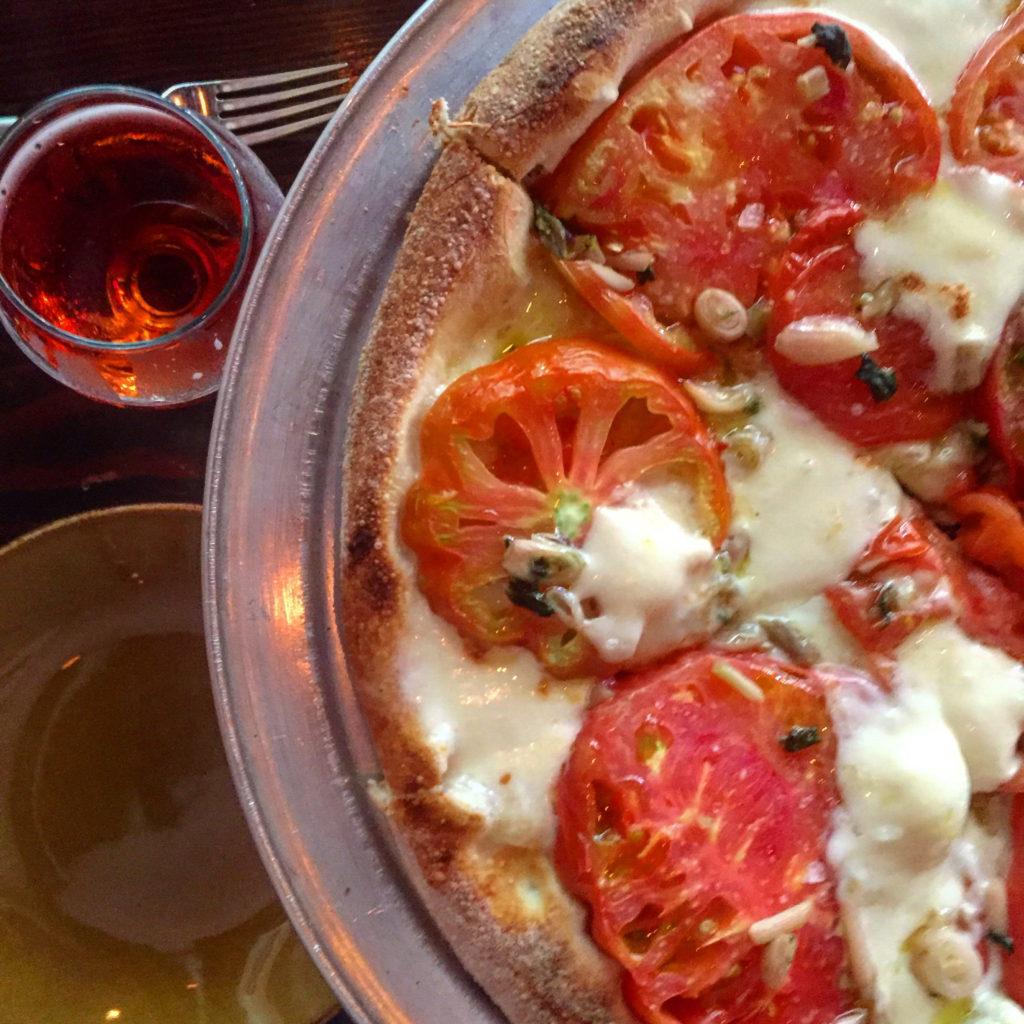 Cherry gose, pizza Mezzo
