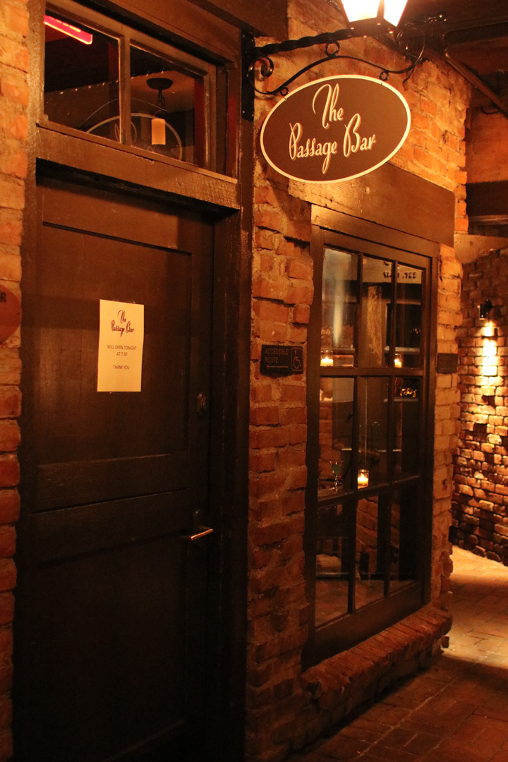 Passage Bar