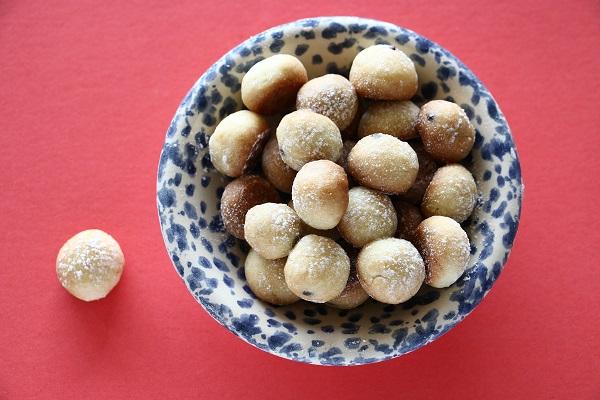 כדורי בצק עם שוקולד משאריות בצק