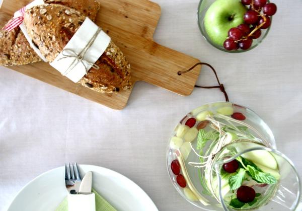 רעיונות לעיצוב השולחן עם ענבים
