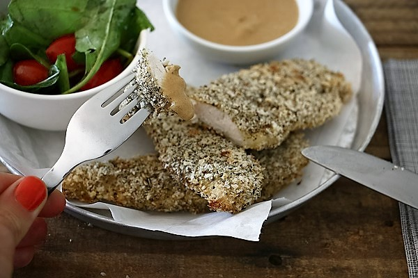 נתחוני עוף בציפוי קראנצ'י טעים - מתכון מעולה- EshetStyle (צילום: טליה הדר)