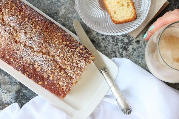 עוגה בחושה וקלה להכנה - מתכון מנצח - EshetStyle בלוג אוכל ואירוח (צילום: טליה הדר)