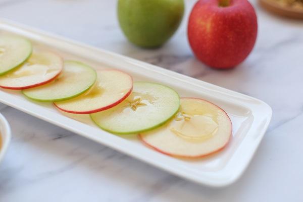 איך להגיש תפוח בדבש באירוח - אשת סטייל (צילום: טליה הדר)
