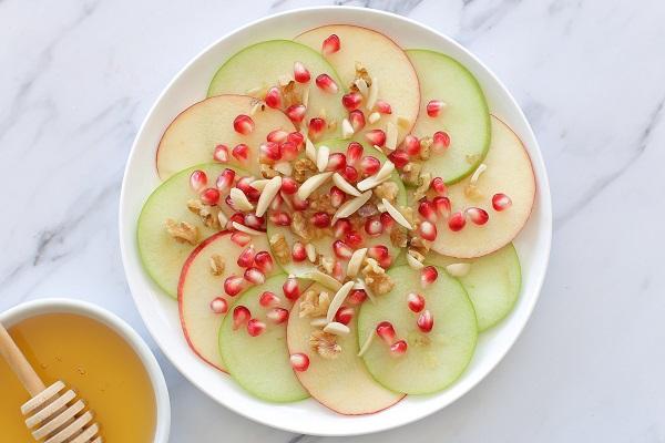 קרפציו תפוח בדבש רעיון מקסים להגשת תפוח בדבש באירוח (צילום: טליה הדר) בלוג אוכל ואירוח EshetStyle