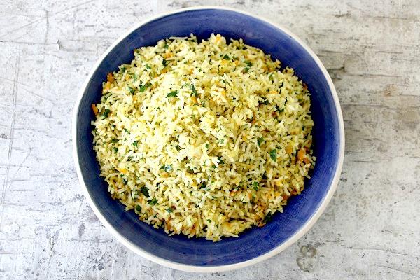 אורז עם תוספות - רעיון לתוספת שהולכת עם הכל - אירוח בסטייל EshetStyle אשת סטייל בלוג אוכל ואירוח (צילום: טליה הדר)