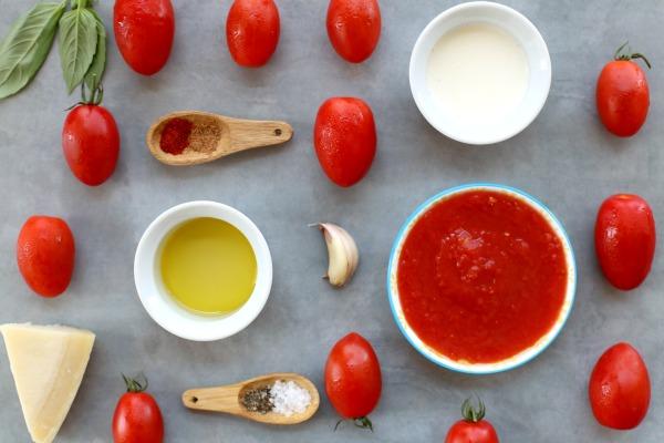 מתכון לרוטב עגבניות לפסטה קל ומהיר | הבלוג של אשת סטייל EshetStyle (צילום: טליה הדר)
