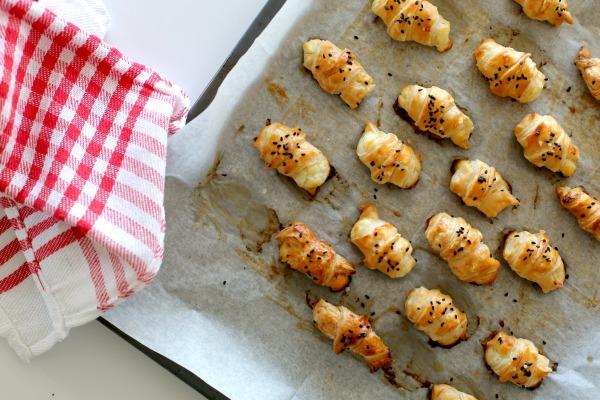 מאפים מלוחים עם גבינה פשוטים וקלים להכנה _ מושלמים לאירוח_הבלוג של אשת סטייל EshetStyle (צילום: טליה הדר)