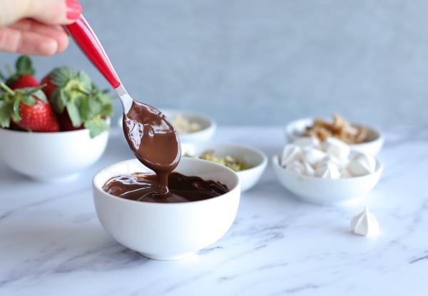 איך להמיס שוקולד במיקרו_טיפים פרקטיים לבית ולמטבח_הבלוג של אשת סטייל EshetStyle.com (צילום:טליה הדר)