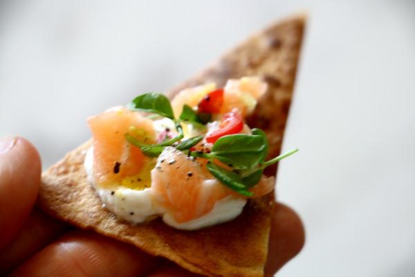 איך להכין בבית קרקרים קראנצ'יים מטורטיה_הבלוג של אשת סטייל (צילום: טליה הדר)