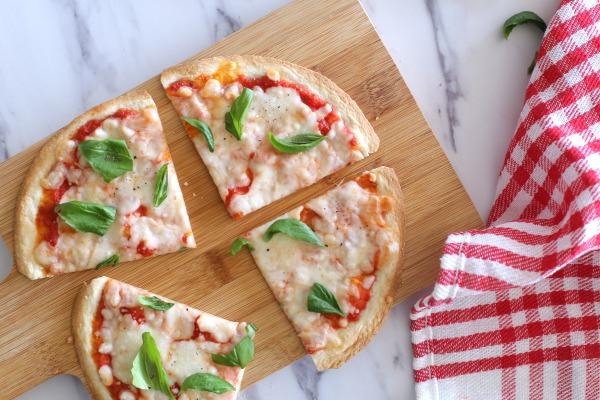 פיצה שילדים אוהבים בעשר דקות_אירוח בסטייל (צילום: טליה הדר)