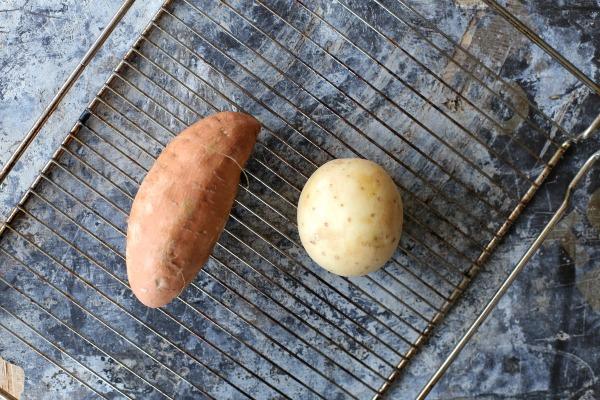 איך להכין תפוח אדמה אפוי כמו של מדורה_הבלוג של אשת סטייל (צילום: טליה הדר)