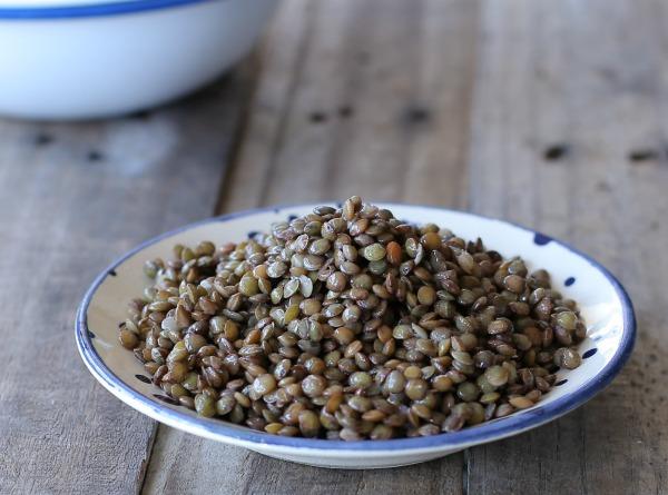 איך לבשל עדשים_איך להקפיא עדשיםם מבושלות_סלט עדשים ובורגול_אירוח על האש_מתכונים_EshetStyle.com