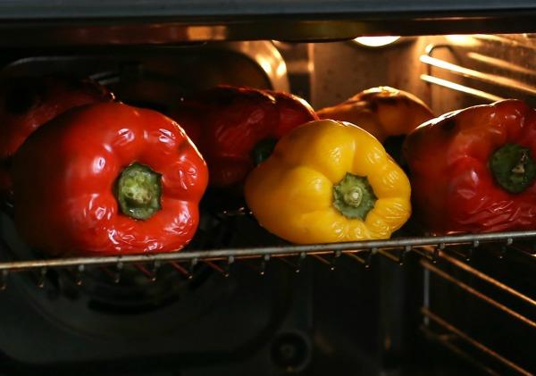 פלפלים קלויים בתנור מתכון_ סלט_אירוח על האש_הבלוג של טליה הדר_אשת סטייל EshetStyle.com