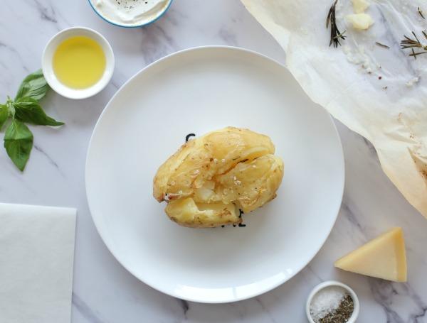 קרפצ'יו תפוח אדמה אפוי_מנה ראשונה בסטייל_אירוח בסטייל (צילום: טליה הדר)