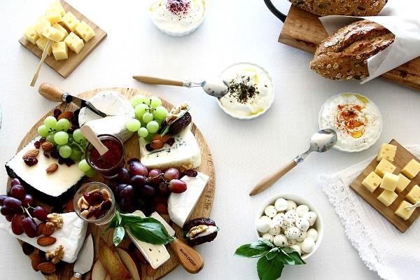 הגשת גבינות בסטייל_צולם על ידי טליה הדר עבור foxhome