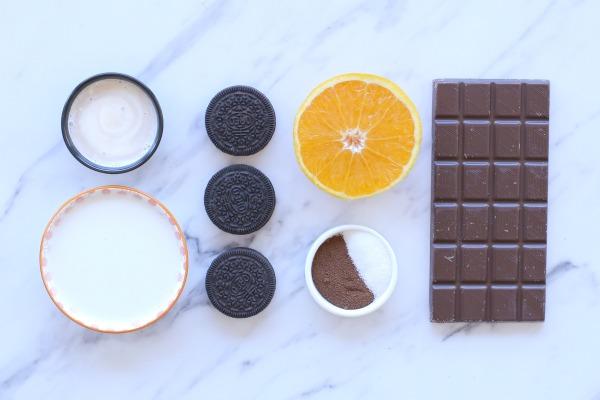 איך להכין טראפלס שוקולד על מקל_קינוח שוקולד אישי_אירוח בסטייל (צילום: טליה הדר)