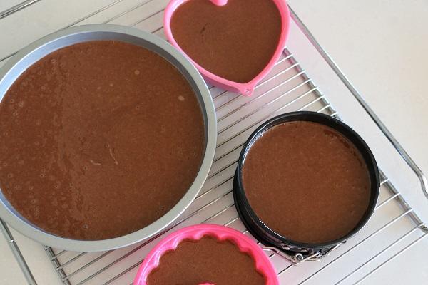טיפ פרקטי להכנת כמה עוגות יום הולדת בפעם אחת_אשת סטייל_טליה הדר