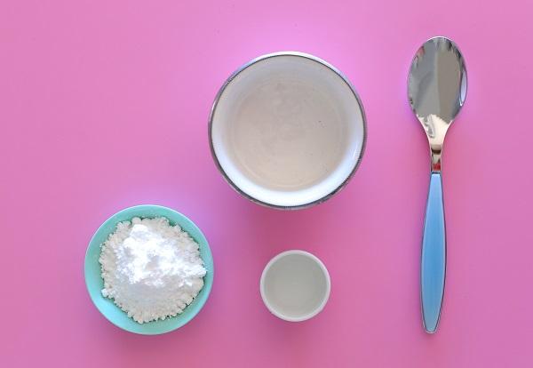 סירופ אייסינג סוכר שמכינים ברגע_איך להכין אייסינג ללא ביצה_טיפים למטבח_אירוח בסטייל_צילום ומתכון: טליה הדר אשת סטייל