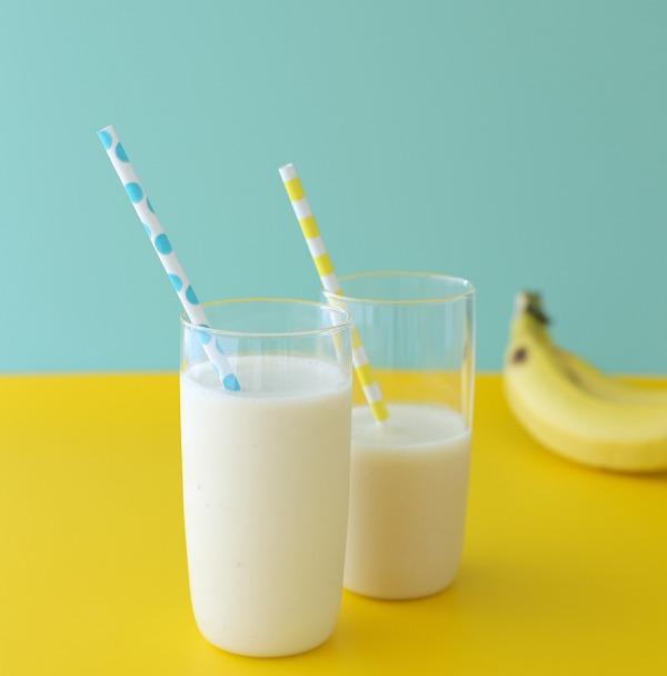 שייק בננה על בסיס קרם קוקוס_שייק בננה שילדים אוהבים_טליה הדר מהבלוג אשת סטייל